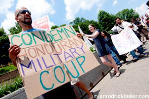 090701-honduras-coup-protest
