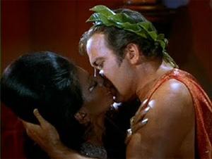 100428-uhura-kirk-kiss