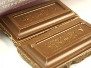 800px-Hersheys_Chocolate