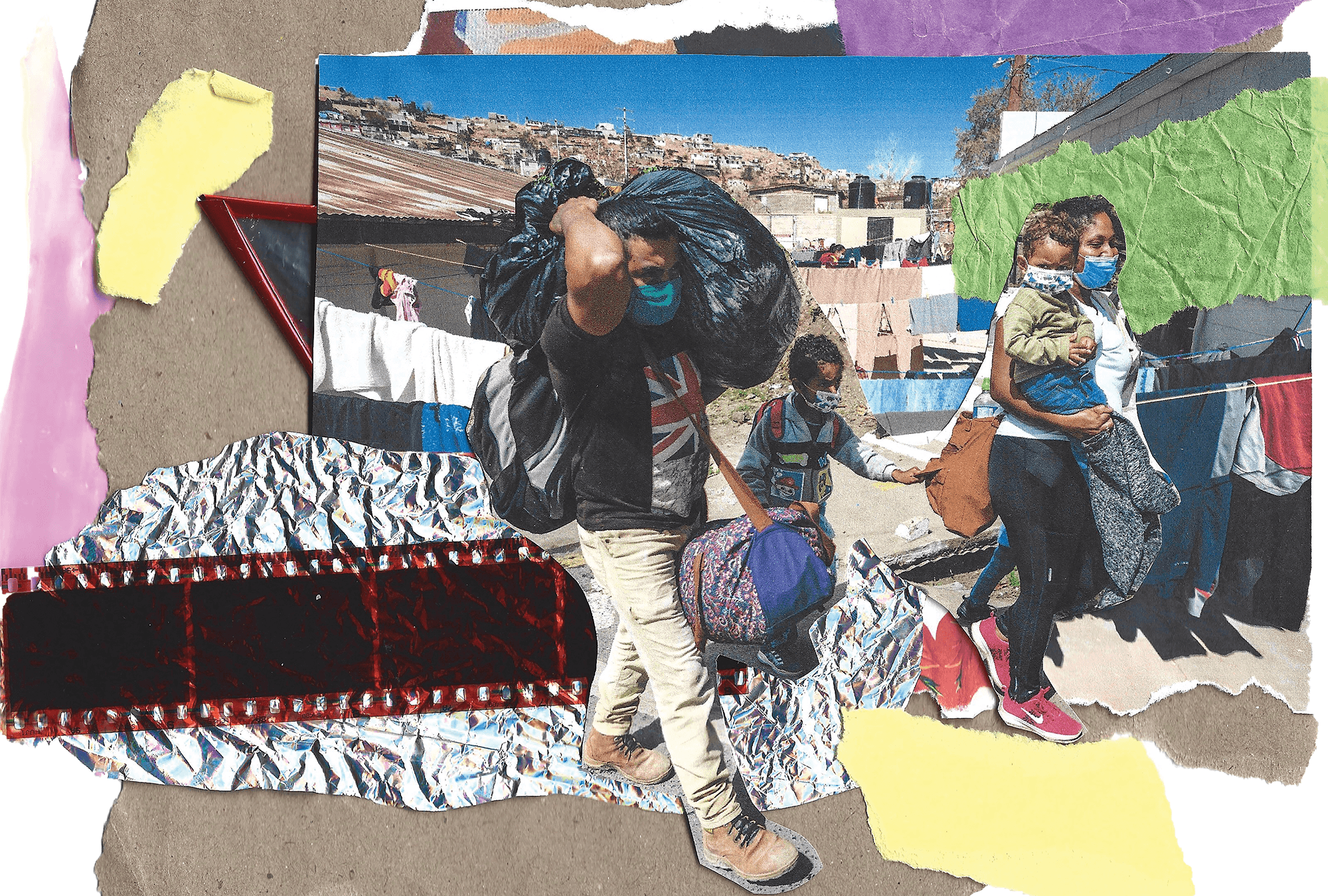 A family migrates from Honduras carrying bags.