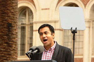 Kal Penn speaks at a Democratic rally at University of Southern California, October 2010. Photo by http://www.flickr.com/photos/neontommy/5122295091/in/photostream/