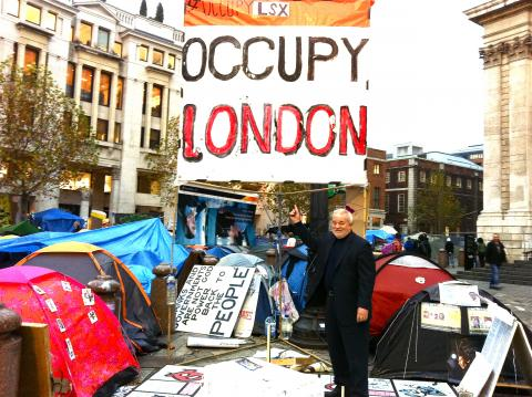 Jim Wallis visits the Occupy London at St. Paul's Cathedral, 11/22/11.