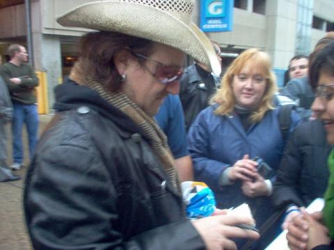 Bono outside the Vertigo tour show in St. Louis, photo by Andrew Smith