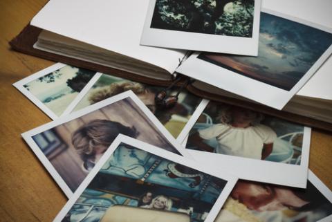 Photos in a journal: KC Slagle / Shutterstock.com