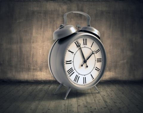 Photo: Clock, Mopic / Shutterstock.com