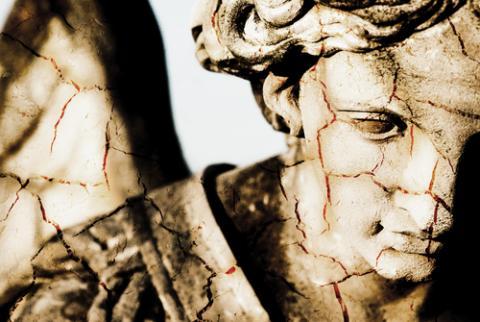 Angel, umbertoleporini / Shutterstock.com