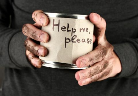Man asking for help, Africa Studio / Shutterstock.com
