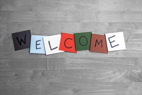 Welcome sign, Ed Samuel / Shutterstock.com