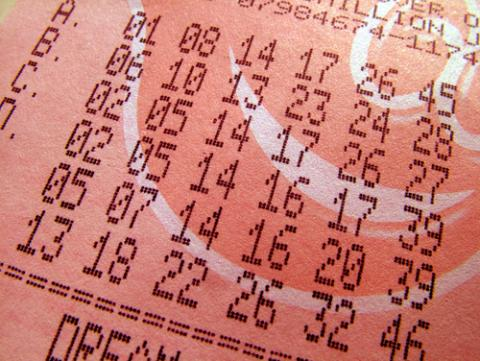Photo: Lottery ticket, © Sean Gladwell / Shutterstock.com