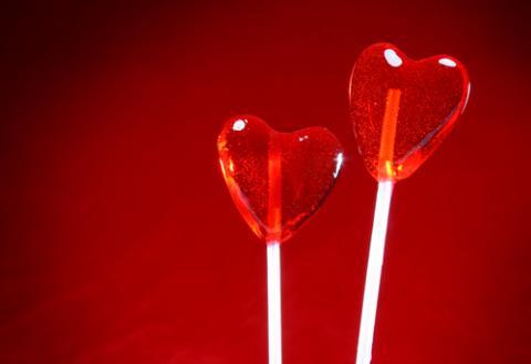 Heart-shaped lollipops, © Julian Rovagnati, Shutterstock.com