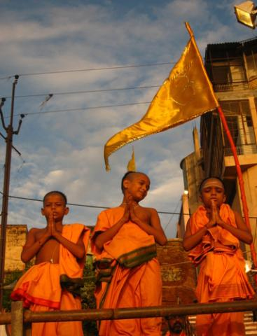 Hindu monks on the banks of the Ganges River on September 17, 2008 in Varanasi,