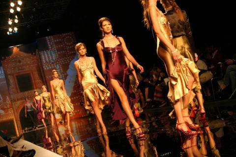 Photo: Barcelona Fashion Week Jorge Cubells Biela / Shutterstock.com