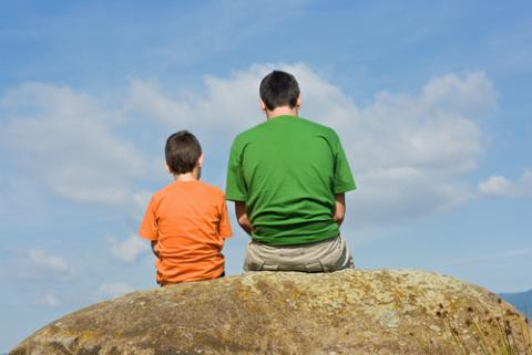 Father and son advice, Emese / Shutterstock.com