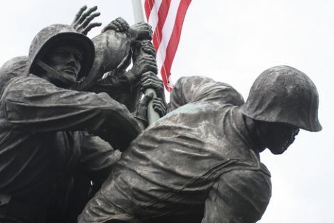 United States Marine Corps War Memorial,  Paul MacKenzie / Shutterstock.com