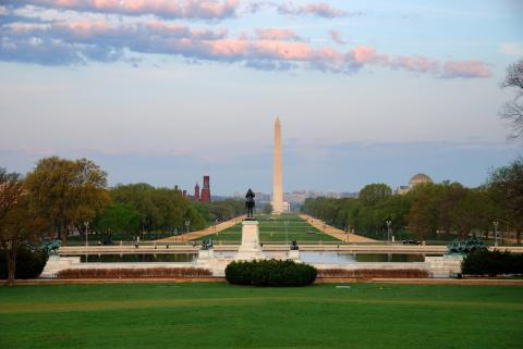 National Mall photo, Songquan Deng, Shutterstock.com