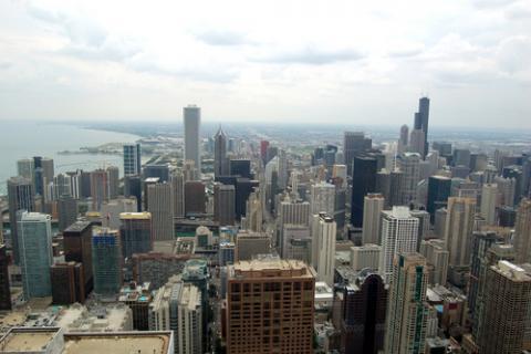Chicago skyline, nialat / Shutterstock.com