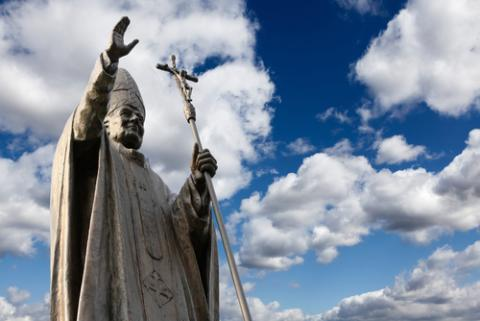 Statue of Pope John Paul II, © WDG Photo / Shutterstock.com