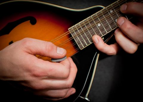 (Mandolin image by greggsphoto/ Shutterstock.com)