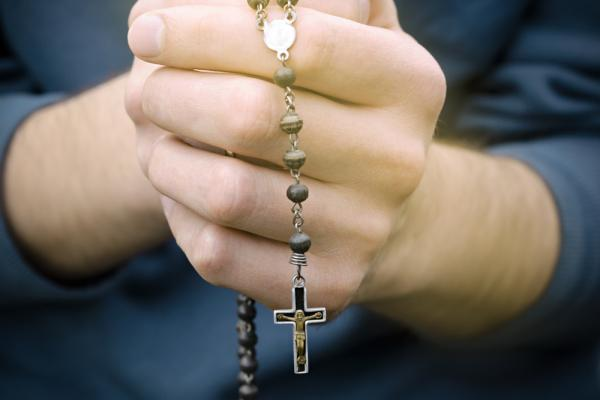 Why I, a Protestant, Pray the 'Hail Mary' and Use a Rosary | Sojourners