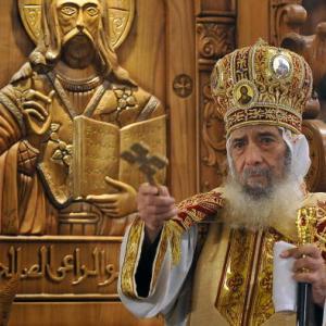 Pope Shenuda III leads Christmas midnight mass, 2010. (AMR AHMAD/AFP/Getty Image