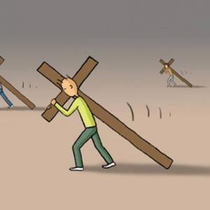 Carrying the cross. Image courtesy Christian Piatt/Patheos.