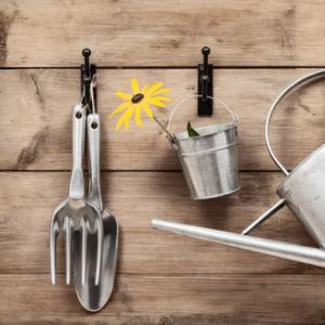 Garden tools, Christopher Elwell / Shutterstock.com