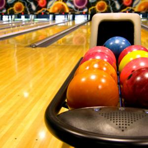 Bowling alley photo, fonats, Shutterstock.com