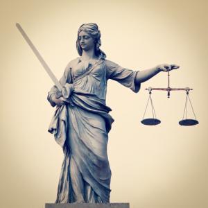 Lady justice, Rob Wilson / Shutterstock.com