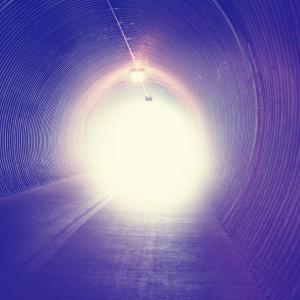 Tunnel, Annette Shaff / Shutterstock.com