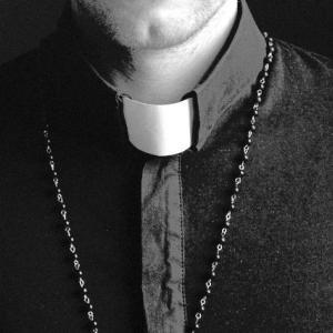 Pastor collar, Andrejs Zavadskis / Shutterstock.com