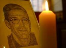 Illustration of Daniel Pearl at a London memorial service. Via Getty Images.