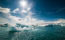 Melting icebergs, Denis Kichatof / Shutterstock.com