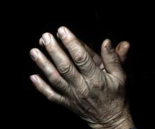 Praying hands, udra11 / Shutterstock.com