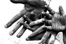 Serving hands, AjFile/ Shutterstock.com