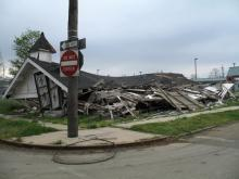 Collapsed church, Pattie Steib / Shutterstock.com