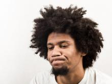 Disappointed young man, Katarzyna Wojtasik / Shutterstock.com