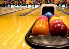 Bowling alley photo, fonats, Shutterstock.com