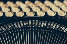 Typewriter, sematadesign / Shutterstock.com