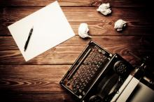 Vintage typewriter, Bartek Zyczynski/ Shutterstock.com