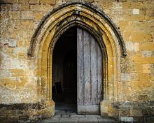 Open church door, Dutourdumonde Photography / Shutterstock.com
