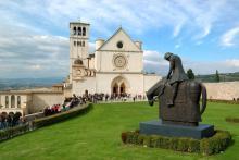Basilica in Assisi, edella / Shutterstock.com