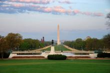 National Mall photo, Songquan Deng, Shutterstock.com