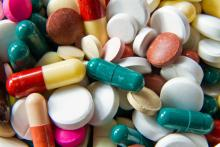 Pill photo, Jakub Pavlinec / Shutterstock.com