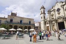 Cathedral of San Cristobal, Pedro Salaverría, Shutterstock.com