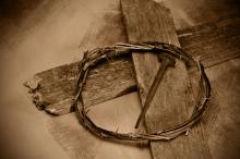 Crown of thorns and nails,  nito / Shutterstock.com
