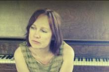 Iris Dement / irisdement.com
