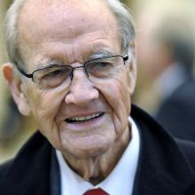 Sen. George McGovern in 2011. Photo by Cliff Owen-Pool/Getty Images