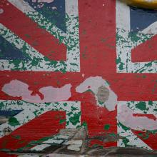 Union Jack mural in disrepair. Image via http://bit.ly/wLwse2.