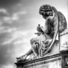 Angel sculpture at Melbourne cemetery, Neale Cousland / Shutterstock.com
