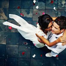 Wedding photo, Mila Supinskaya / Shutterstock.com